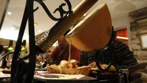 LES FONDUES ET GUILLAUME GALLIENNE, A TABLE !