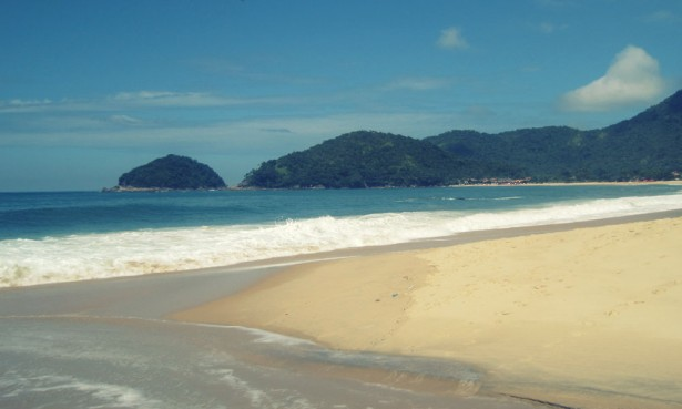 View of the beach at Trindade