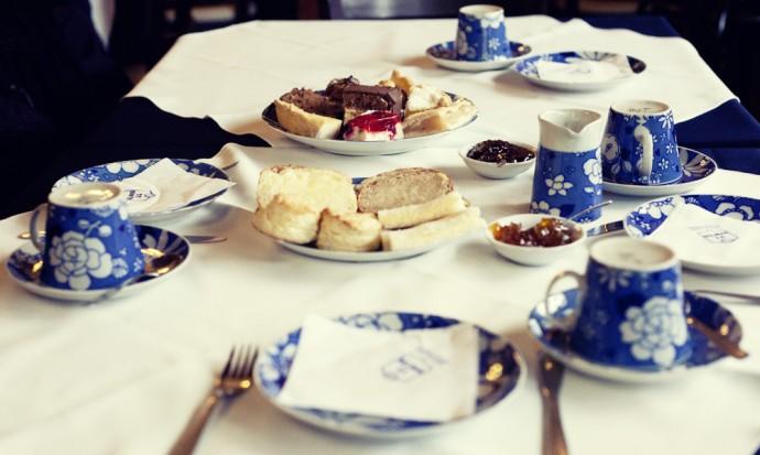 Tea and cakes in Gaiman