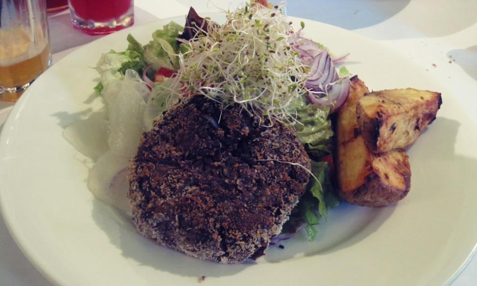 Best vegetarian restaurants in Buenos Aires | Veggie burger at Hierbabuena