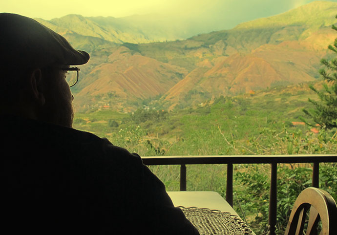 Steve and the view at Izhcayluma on our digital detox