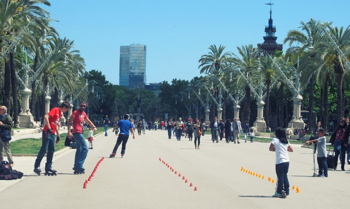 Roller bladers in Barcelona