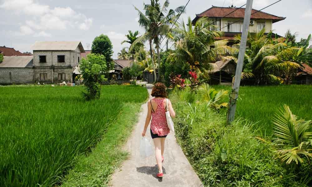 Victoria walking in Penastanan