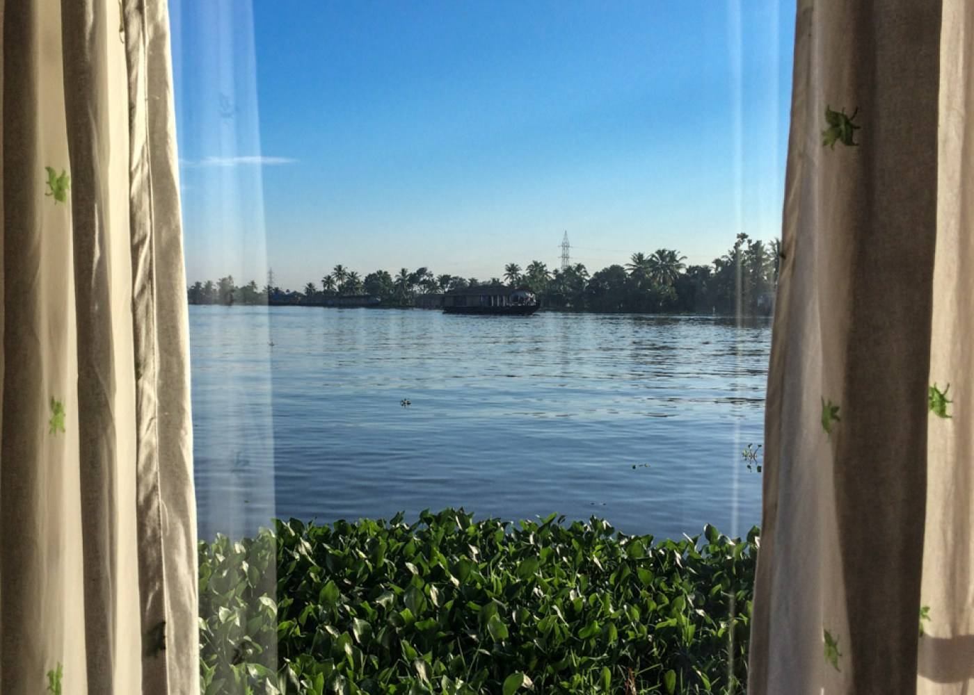 Bedroom view from the best kerala houseboat