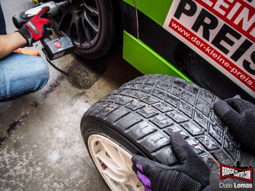 Slicks off, wets on. Or should that be the other way around?