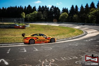 Rosnet Lada WTCC with James Thompson at the Nürburgring Nordschleife