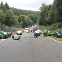 McLaren fluid spill causes 10-car crash and closes the Nuerburgring early