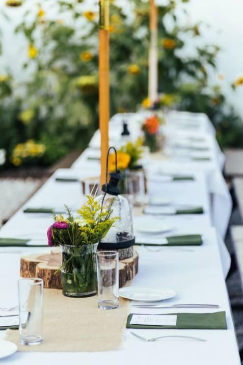 public house table set up