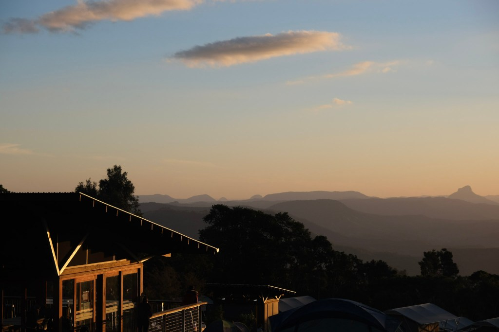 View from O'Reilly's Campground, Lamington National Park at sunset. Eco Tourism, Minimal Packing, Sunset photos, O'Reilly's Campground, Camping holiday