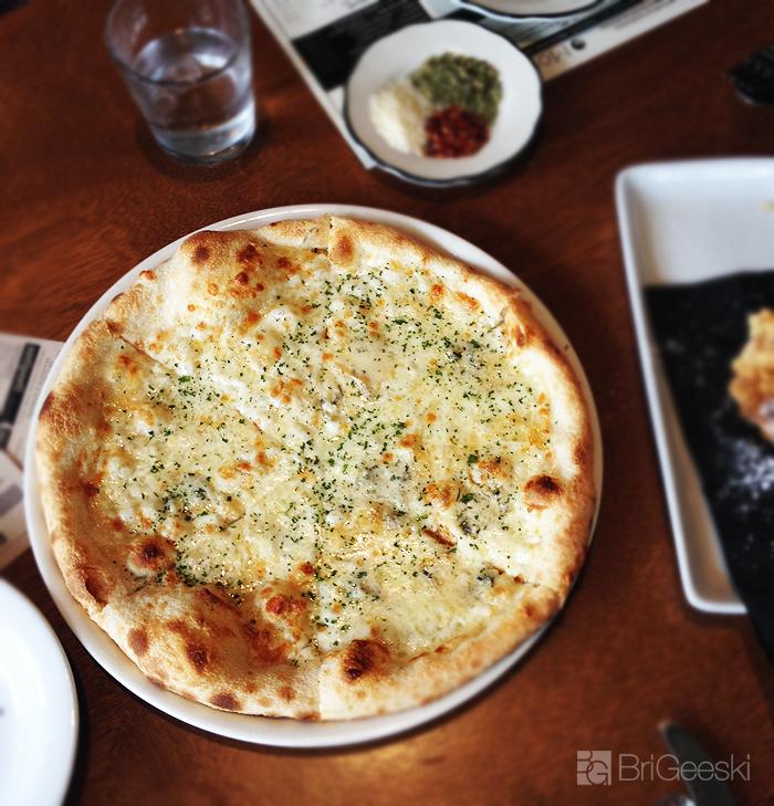 pizza from Monello