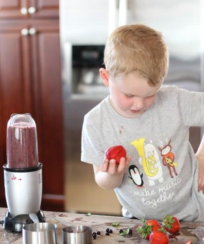 teach kids to make smoothies