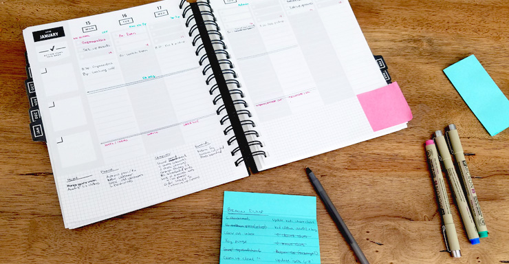 Organize your frazzled brain in three easy steps. #productivity #momlife #plannerlife