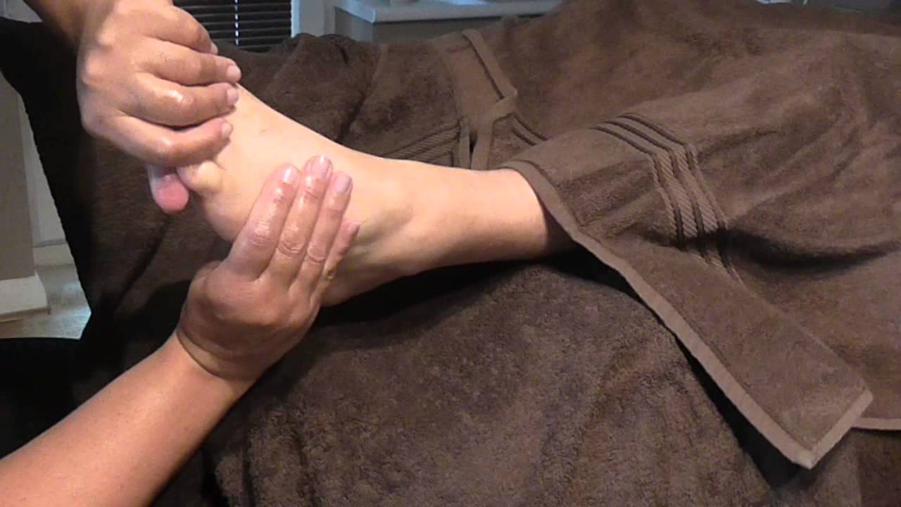Basic  Reflexology  Demonstration by Brighton Holistics
