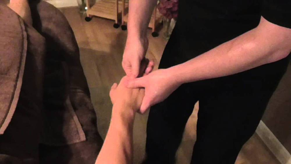 Basic Hand Massage Demonstration by Brighton Holistics