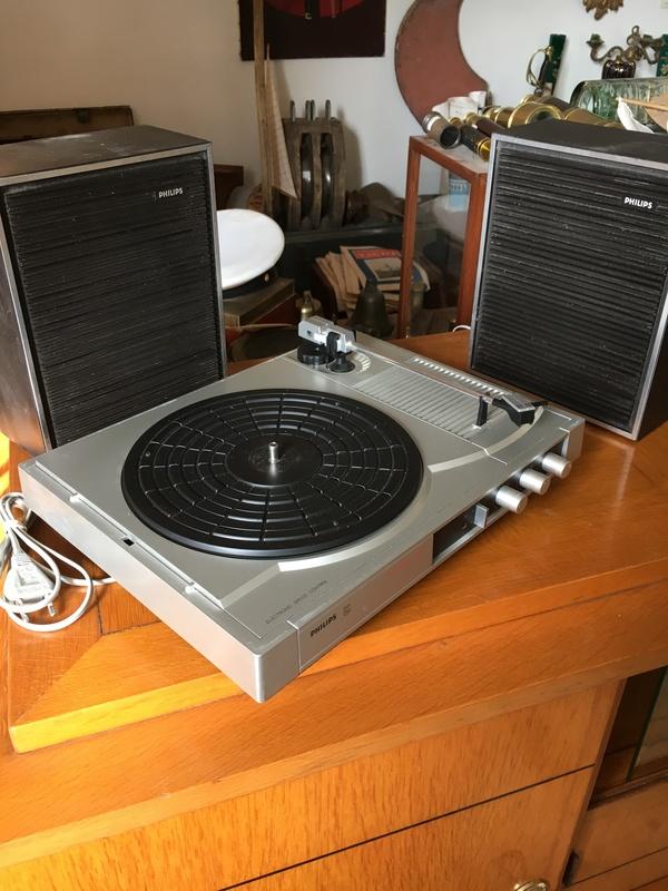 tourne disque philips vintage