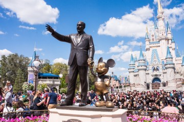 Walt Disney Statue