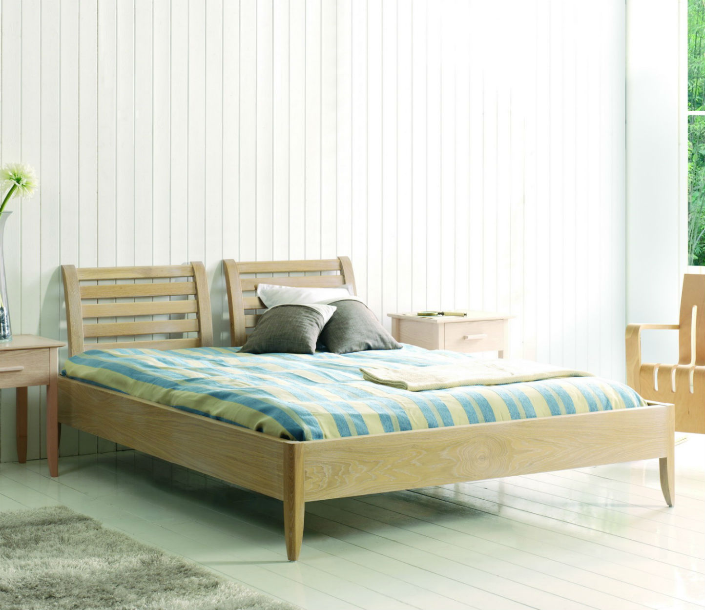 lit adulte en bois massif
