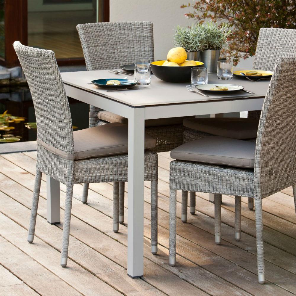 chaise de jardin en aluminium et resine tressee