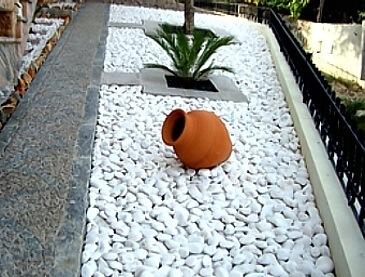 brispedra exemplos decorativos para jardim branca rolada