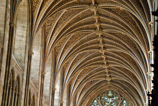 Vaulted ceilings cathedrals for Difference between vaulted and cathedral ceiling
