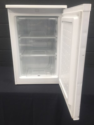 Under counter freezer 86 Ltr
