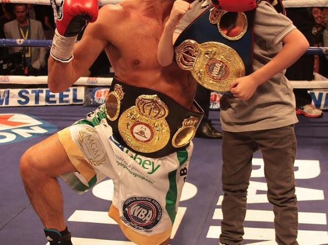 New champion Derry Mathews celebrates title win at the Echo Arena Liverpool - By Al Stevenson