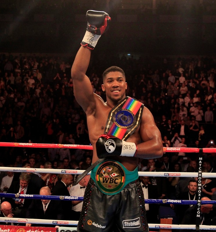 Anthony Joshua v Gary Cornish - Commonwealth Heavyweight Title - O2 Arena - 12/9/15 - Picture : Lawrence Lustig
