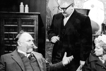 Jimmy Edwards stars in a series of one off sitcoms generally rferred to as Faces of Jim