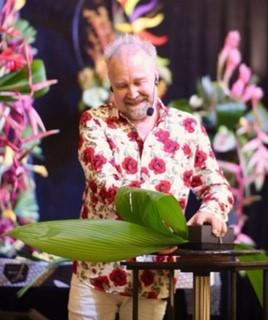 Mark Entwistle main stage demonstrator at FleurEx