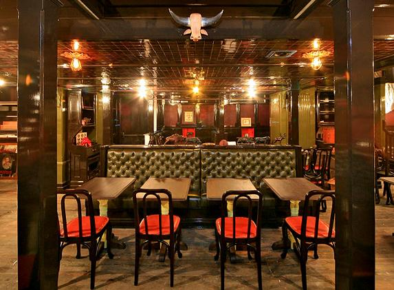 A British Bar Boomlet In New York The Breslin Clerkenwell Amp Highlands British Food In America