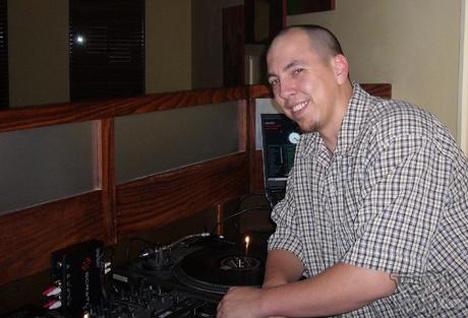 DJ @ War
