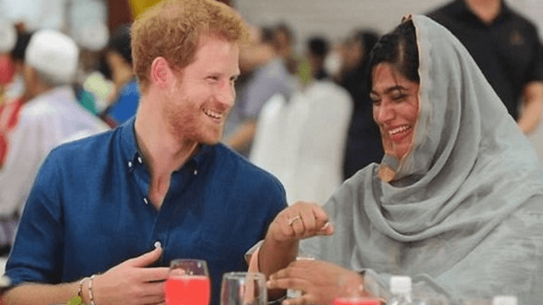 Prince Harry breaks fast in Singapore
