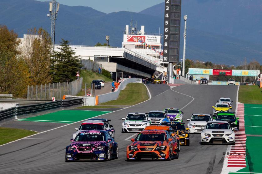 Trepidante 4º round del GT-CER en Barcelona