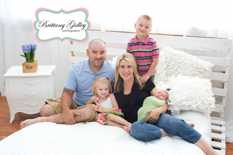 Newborn family photographer | Newborn family photography | Best Newborn Photographers | Start With The Best | Brittany Gidley Photography LLC