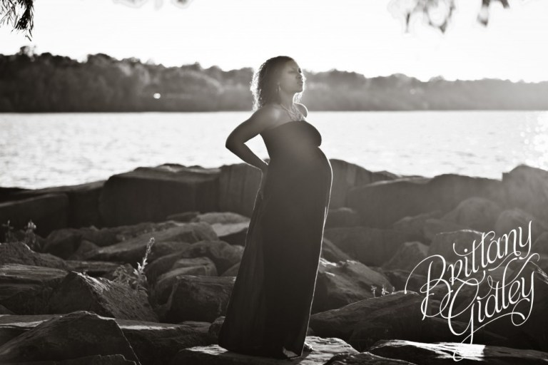Beach | Pregnancy | Cleveland Ohio | Edgewater Beach | Sunset | Expecting Mother | Maternity