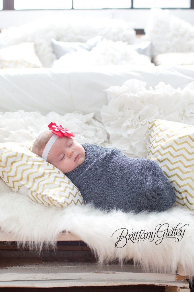 Cleveland Newborn Baby | Adorable | Wood Bed | Holiday | 7 weeks