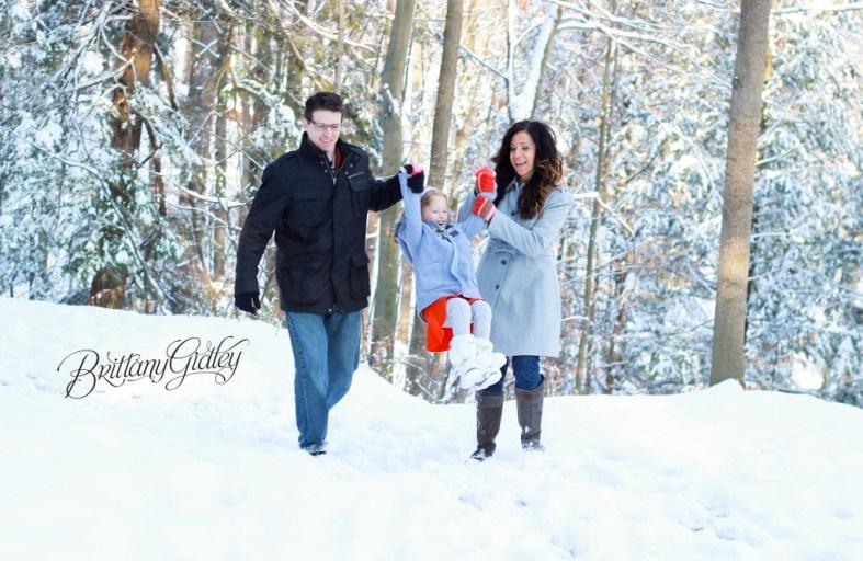 Winter Family Photography | Cleveland Ohio | Snow | Family Portraits