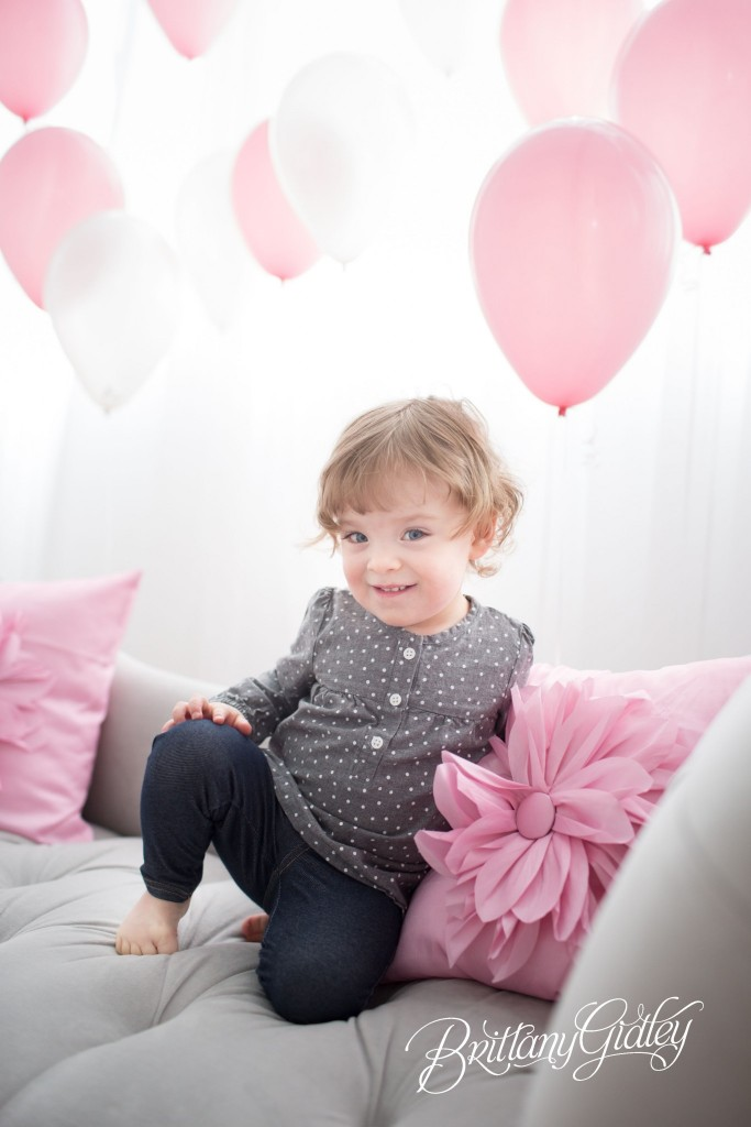 Cleveland | Toddler | Photography | Cleveland | Start With The Best | Balloons | Family