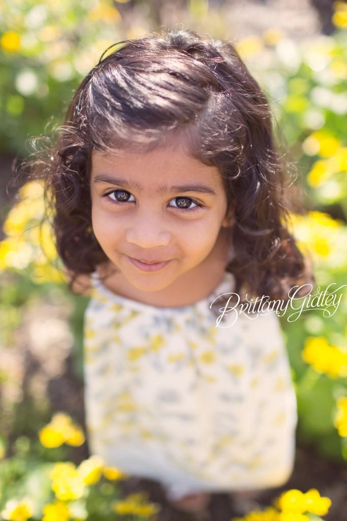 Cleveland Child Photographer | Child Portraits | Flowers | 35mm 1.4 Canon