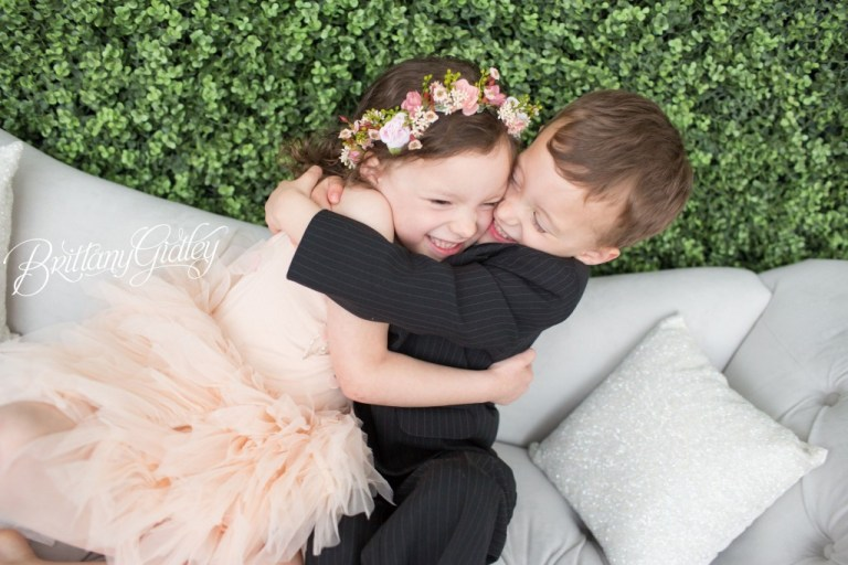 Dream Sessions  | Hug | Twins | Brittany Gidley Photography | Tutu Du Monde | Rainey's Closet