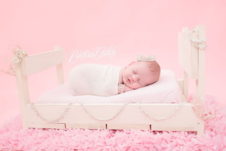 Newborn Baby Girl | Diamonds | Bling | Baby Bed | Sleepy | Adorable | Inspiration | Photo Shoot | Newborn Photographer | Newborn Photography