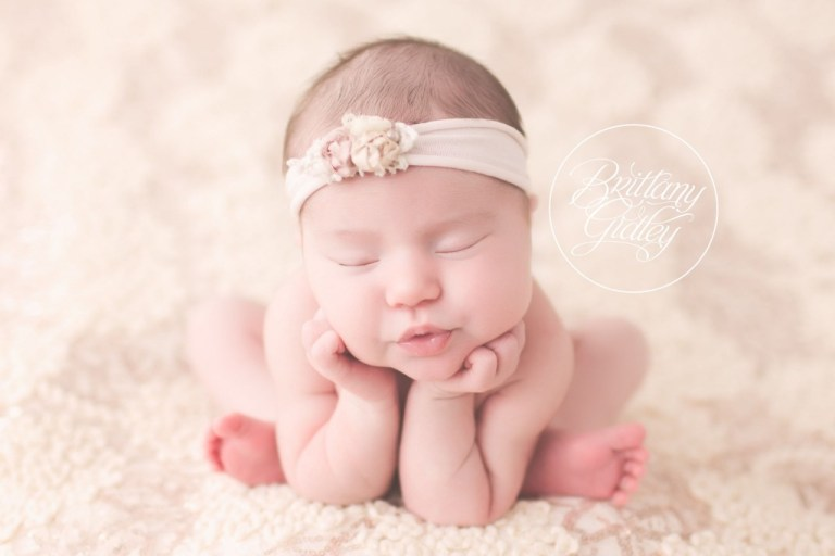 Ohio Newborn Photographer | Cleveland, Ohio | Newborn Photographer | Newborn Photography | Newborn Baby Girl | Newborn Inspiration