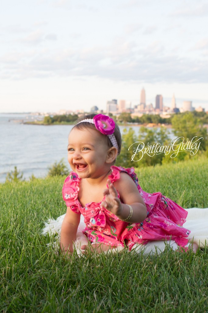 Cleveland Baby Photography | Edgewater Beach Park | Cleveland Ohio | Edgewater Reservation | Baby Photography | Brittany Gidley Photography