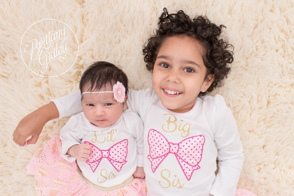 Family Newborn Photography | Sisters | Newborn Baby Girl | Newborn Smiling