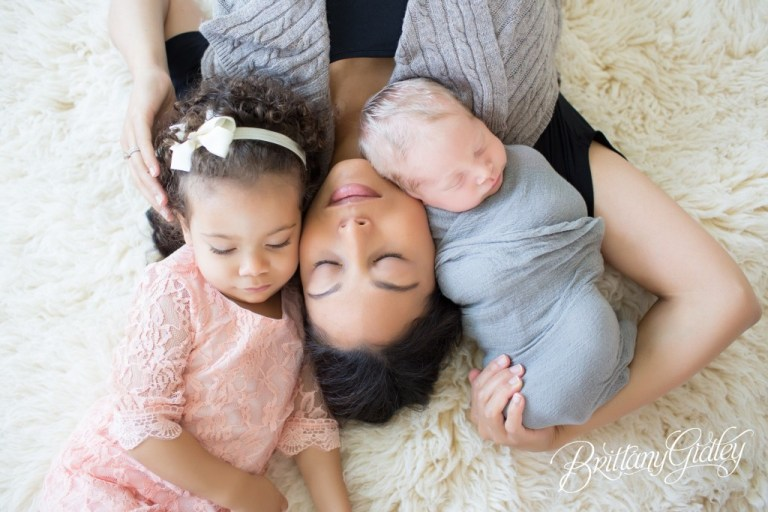 Mother and Children   Lifestyle Newborn Photo Shoot