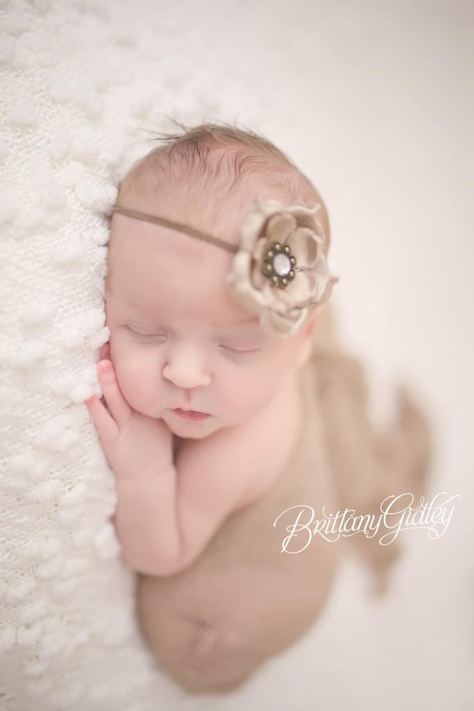Newborn Photo Shoot | Cleveland Ohio | Baby Girl | Start With The Best