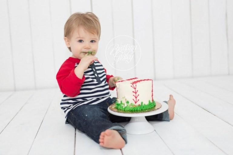 12 Month Old Baby | Cake Smash | Cleveland Family Photographer
