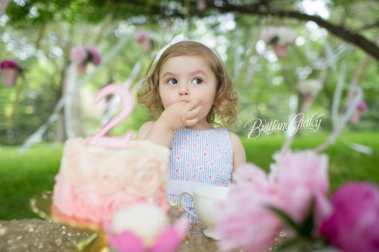 America's Best Photographers | Tea Party Dream Session | Whimsical Child Photography | Dreamy Child Photographer | Cleveland Museum of Art