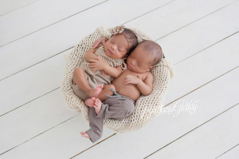 Celebrity newborn photographer twin newborns cleveland newborn photographer celebrity photographer brittany gidley