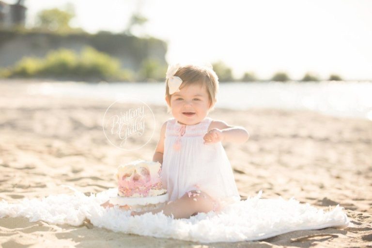 Beach Cake Smash | Family Photographer | Clifton Club Lakewood Ohio | Baby Photographer | Baby Photography | Sunset Photography Session